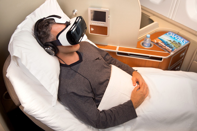 3-qantas-and-samsung-introduce-virtual-reality-experience-for-travellers